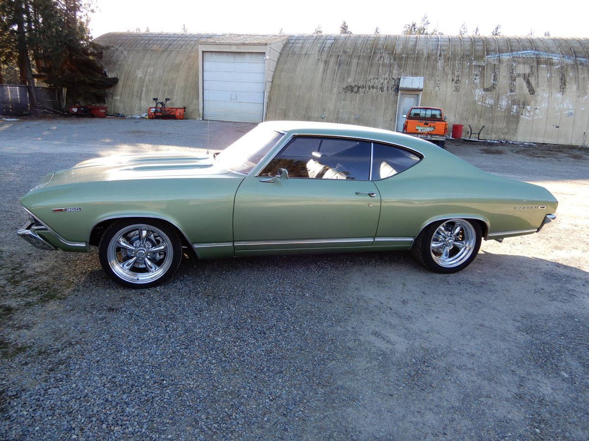 1969 Chevy Chevelle With American Racing Chrome Centered