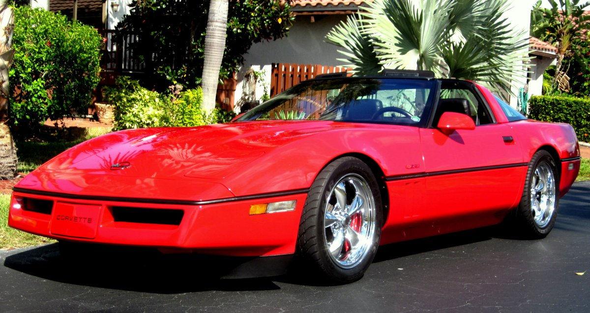 Kmc Xd Wheels >> 1990 Chevy Corvette with Chrome Torq Thrust M Wheels