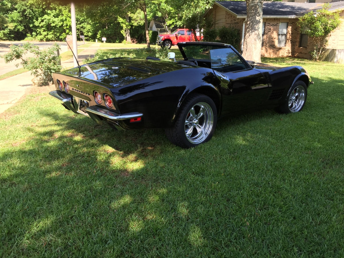 1972 Chevrolet Corvette With 17x8 And 18x9 Torq Thrust Ii