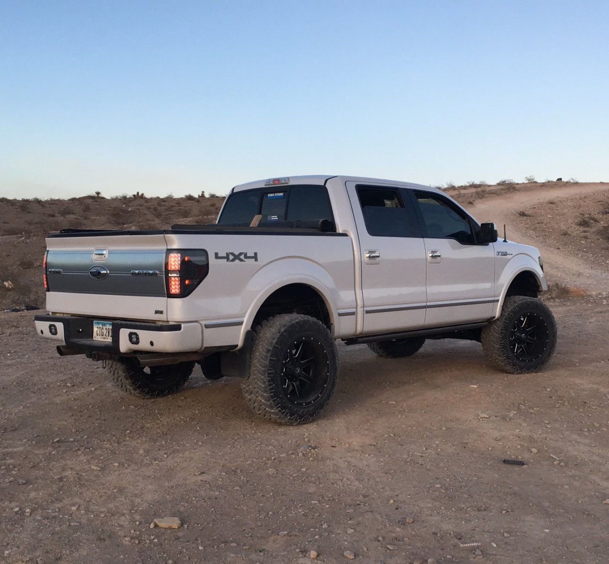 """20x10 and 20x12 Wheels and 35"""" Tires on LIfted Trucks"""