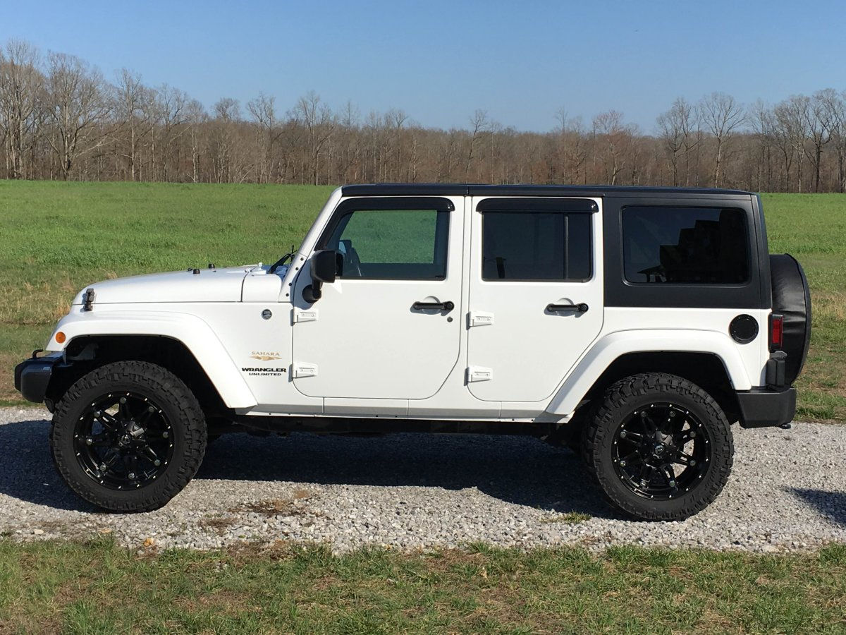 2013 Jeep Wrangler With 20x10 Fuel Hostages