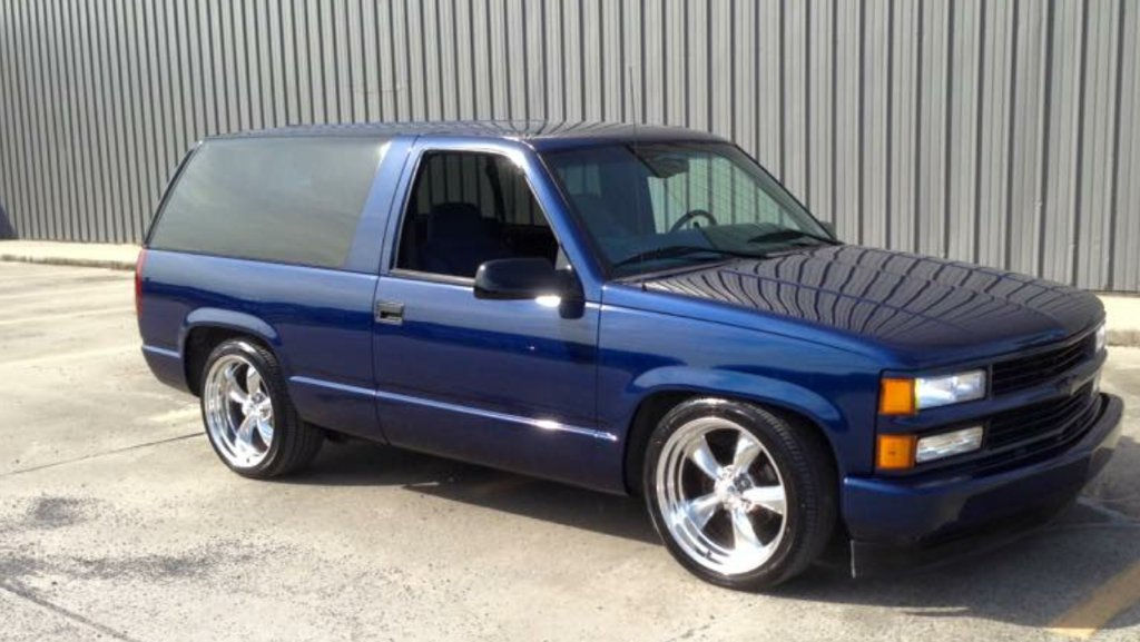 1997 Chevy Tahoe with 20x8 and 20x10 Torq Thrust II Wheels